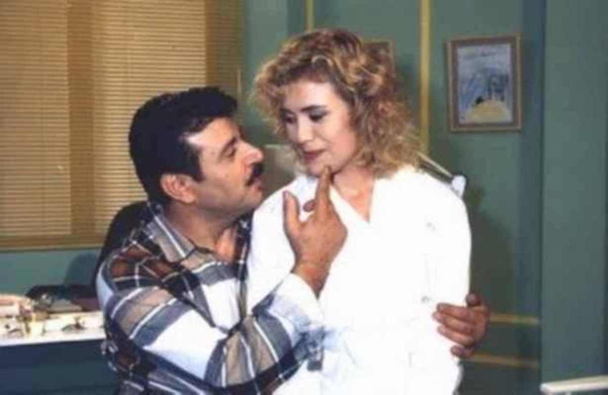 ΔΕΙΤΕ πως είναι σήμερα ο Σάκης ο υδραυλικός και η Λίλη της σειράς Λαβ Σόρρυ! | Newsit.gr