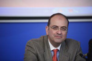 """Επίθεση Μακάριου Λαζαρίδη στην """"ΕΡΤ των Ταγματάρχη – Τσακνή"""""""