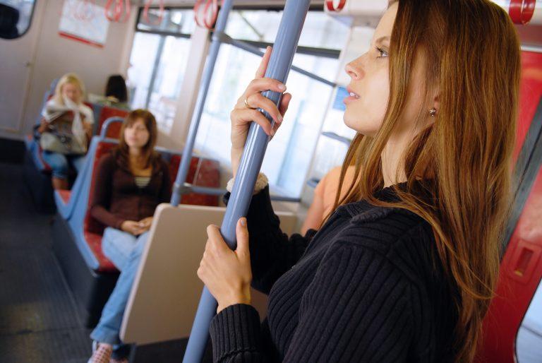 Γραμμή λεωφορείου αναγκάζει τις γυναίκες να κάθονται στις πίσω θέσεις | Newsit.gr
