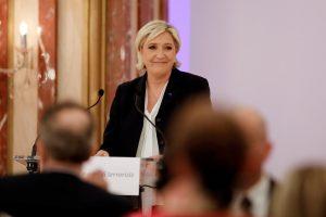 Εκλογές Γαλλία δημοσκόπηση: Πρώτη η Λε Πεν – Τέταρτος ο Φιγιόν!