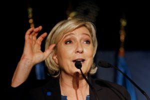 Ψηφίστηκε η άρση ασυλίας της Λε Πεν!