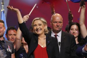 Γαλλικές εκλογές: «Θα αγοράζετε την μπαγκέτα σας με φράγκα» λέει ο αντιπρόεδρος της Λε Πεν!