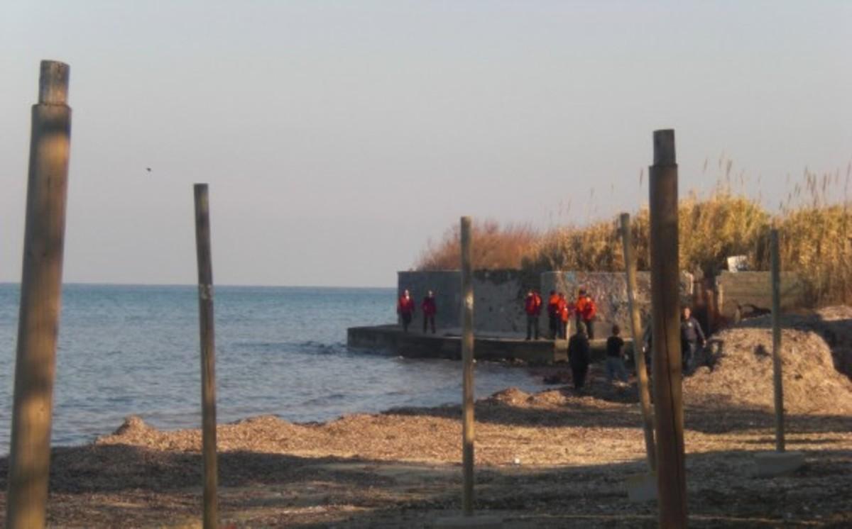 Μυτιλήνη: Παραμένουν άταφα τα πτώματα 14 αλλοδαπών του ναυαγίου της Θερμης! | Newsit.gr