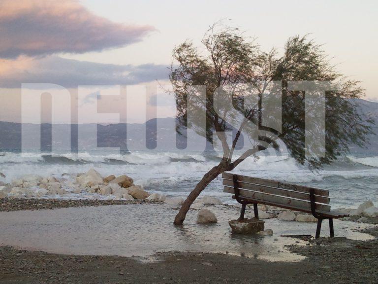Η θάλασσα εξακολουθεί να βγαίνει στη στεριά | Newsit.gr