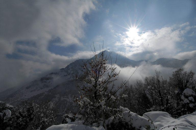 Λευκά Όρη: Τραυματίστηκε ορειβάτης. Σε εξέλιξη επιχείρηση της Πυροσβεστικής | Newsit.gr