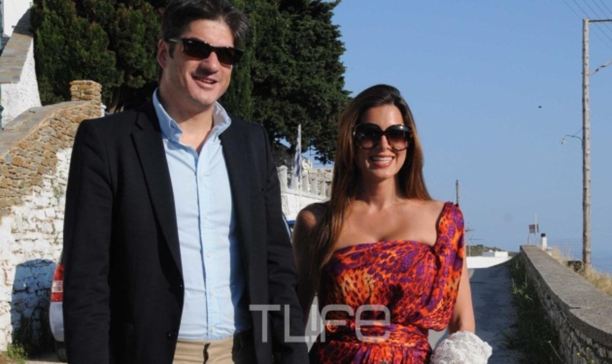 Γ. Λιάγκας – Φ. Σκορδά: Η βάφτιση του γιου τους στην Τήνο! To TLIFE είναι εκεί | Newsit.gr