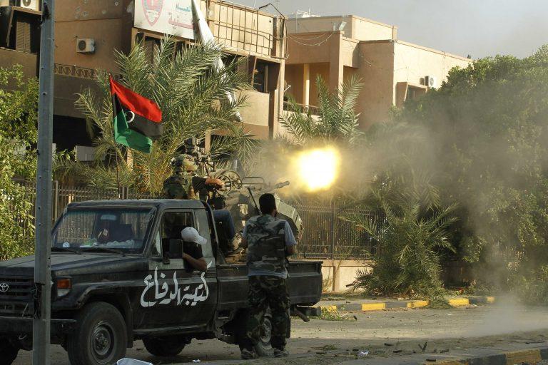 «Είτε είναι στη νότια Τρίπολη, είτε έχει φύγει» λέει για τον Καντάφι ο πρώην Νο2 του καθεστώτος – Τη Σύρτη βομβάρδισε το ΝΑΤΟ | Newsit.gr