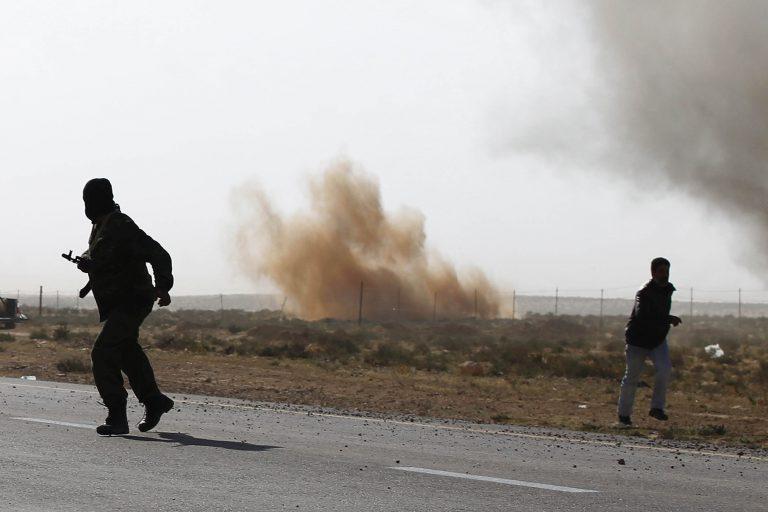 Ο Καντάφι βομβαρδίζει τη Μιζράτα και το ΝΑΤΟ τους αμάχους – 7 νεκροί στη Μπρεγκα από συμμαχικούς βομβαρδισμούς! | Newsit.gr