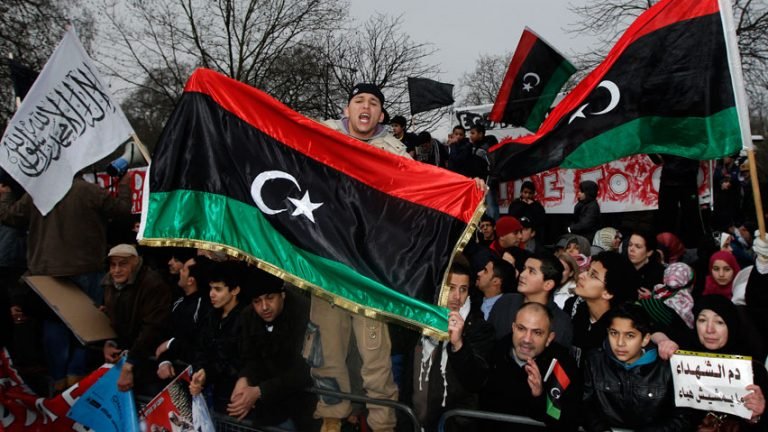 Λιβύη: Εισβολή διαδηλωτών στη Βουλή   Newsit.gr