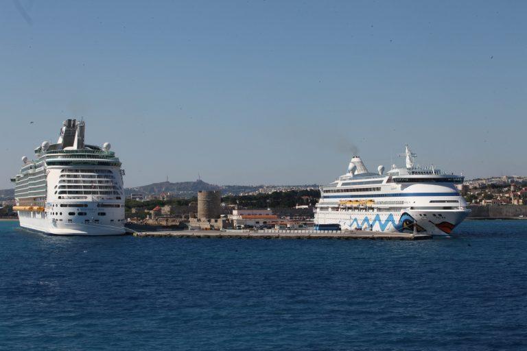 Νέες κινητοποιήσεις ετοιμάζουν οι εργαζόμενοι στα λιμάνια | Newsit.gr