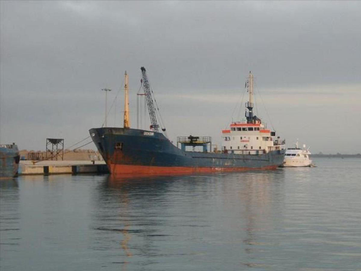Ρέθυμνο: Συγκρούστηκαν 3 τουρκικά πλοία στο λιμάνι! | Newsit.gr