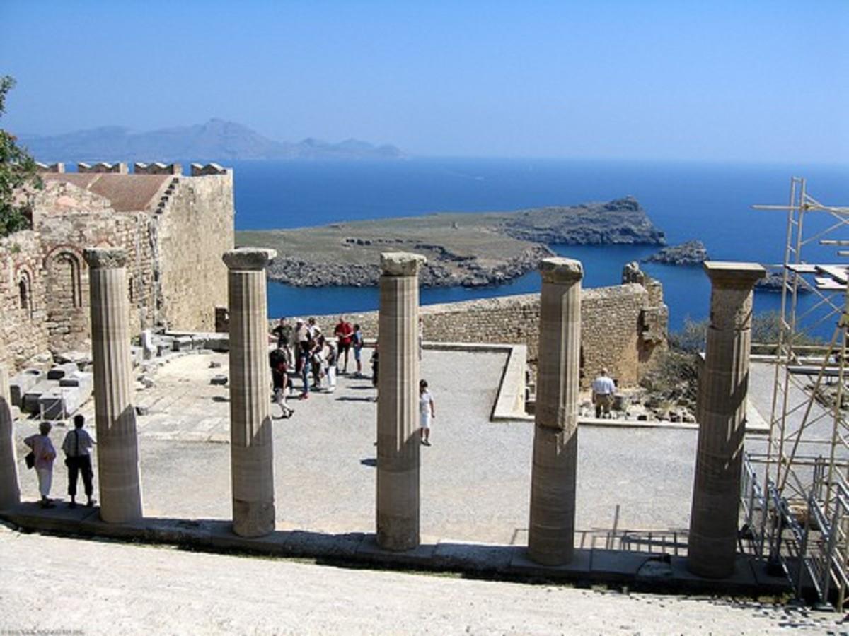 Ρόδος: Eίχε την ατυχία να τραυματιστεί σε αρχαιολογικό χώρο! | Newsit.gr