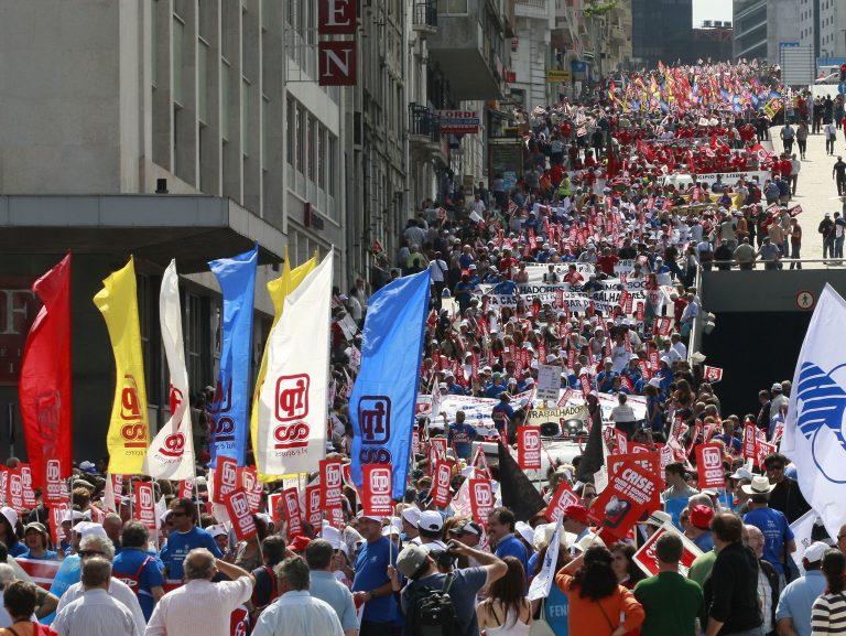 Διαδήλωσαν 300.000 άνθρωποι κατά των μέτρων λιτότητας | Newsit.gr