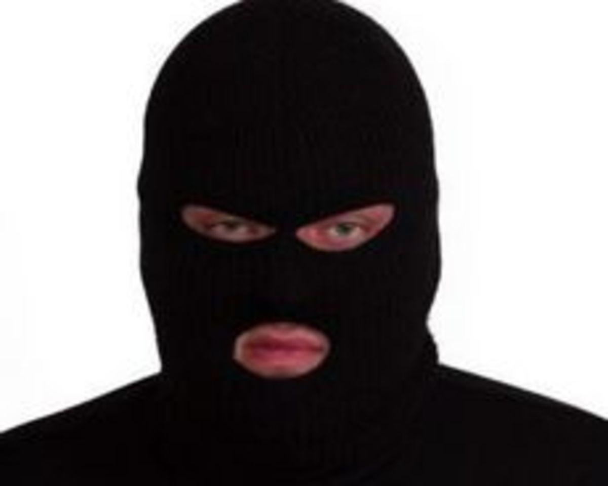 Ηράκλειο:»Τα χρέη με έκαναν ληστή» είπε πρώην σεκιούριτι στον εισαγγελέα! | Newsit.gr