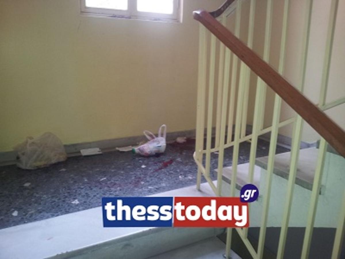 Θεσσαλονίκη:Λησταρχίνες εναντίον γυναίκας στις σκάλες πολυκατοικίας – Φωτό και βίντεο! | Newsit.gr