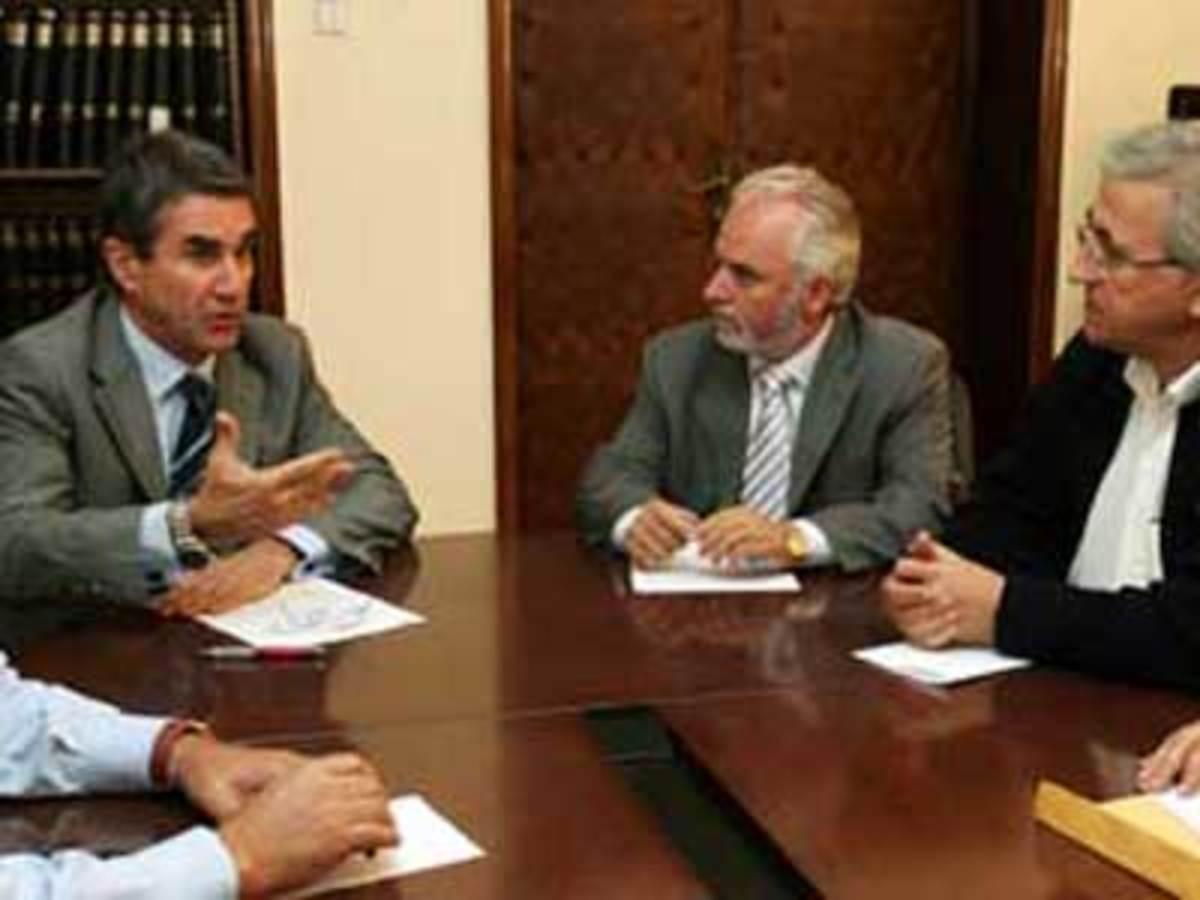 Με αλλαγές στα εργασιακά ξεκινάει ο Λοβέρδος | Newsit.gr