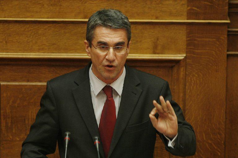 Μήνυμα Λοβέρδου σε Μαξίμου: Ιερή υποχρέωση να μείνουμε στο ευρώ | Newsit.gr