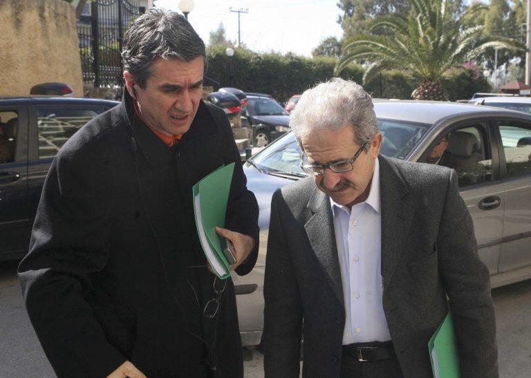 Η ατάκα με τον πυροσβεστήρα του Λοβέρδου προς τον Μίμη Ανδρουλάκη | Newsit.gr