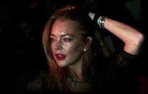 Τραγικό: Η Lindsay Lohan προσπάθησε να αρπάξει παιδιά μεταναστών! – video