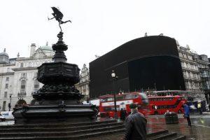"""""""Μαύρο"""" στο Piccadilly Circus – Για πρώτη φορά μετά τον Β' Παγκόσμιο Πόλεμο [pics, vids]"""