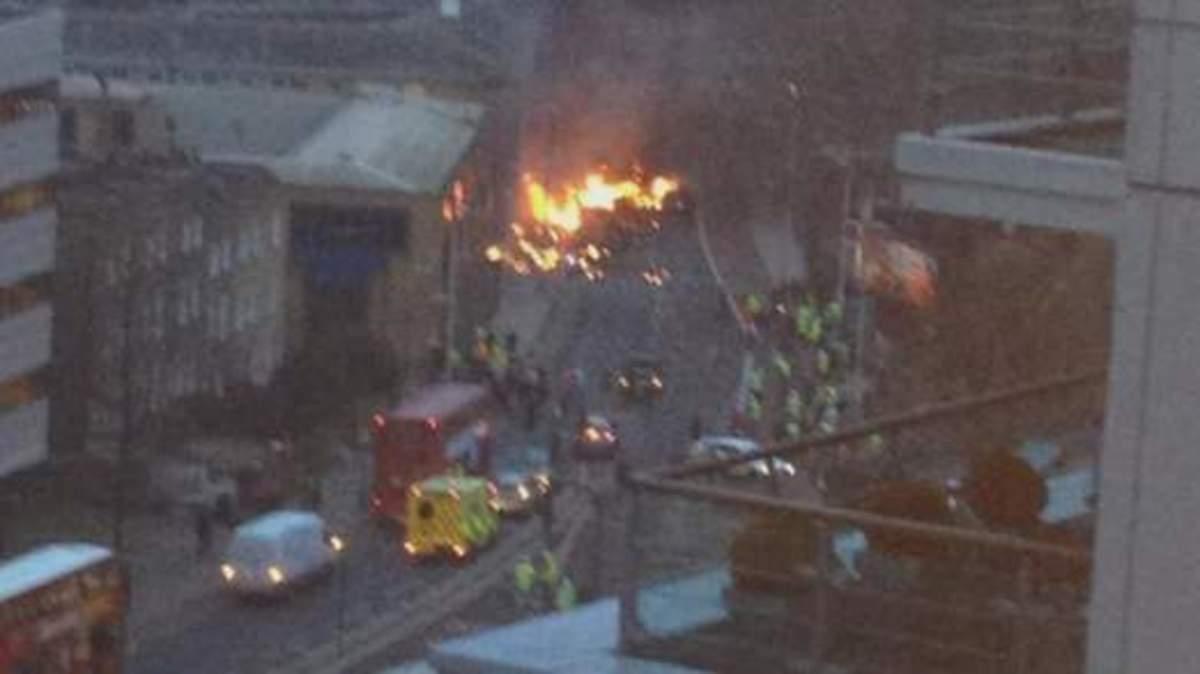 Ελικόπτερο συνετρίβη στο νότιο Λονδίνο κοντά στην MI6 και την πρεσβεία των ΗΠΑ | Newsit.gr