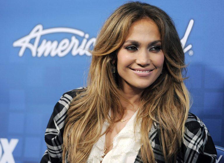 Ποια διάσημη τραγουδίστρια αντικαθιστά την Jennifer Lopez στο American Idol; | Newsit.gr
