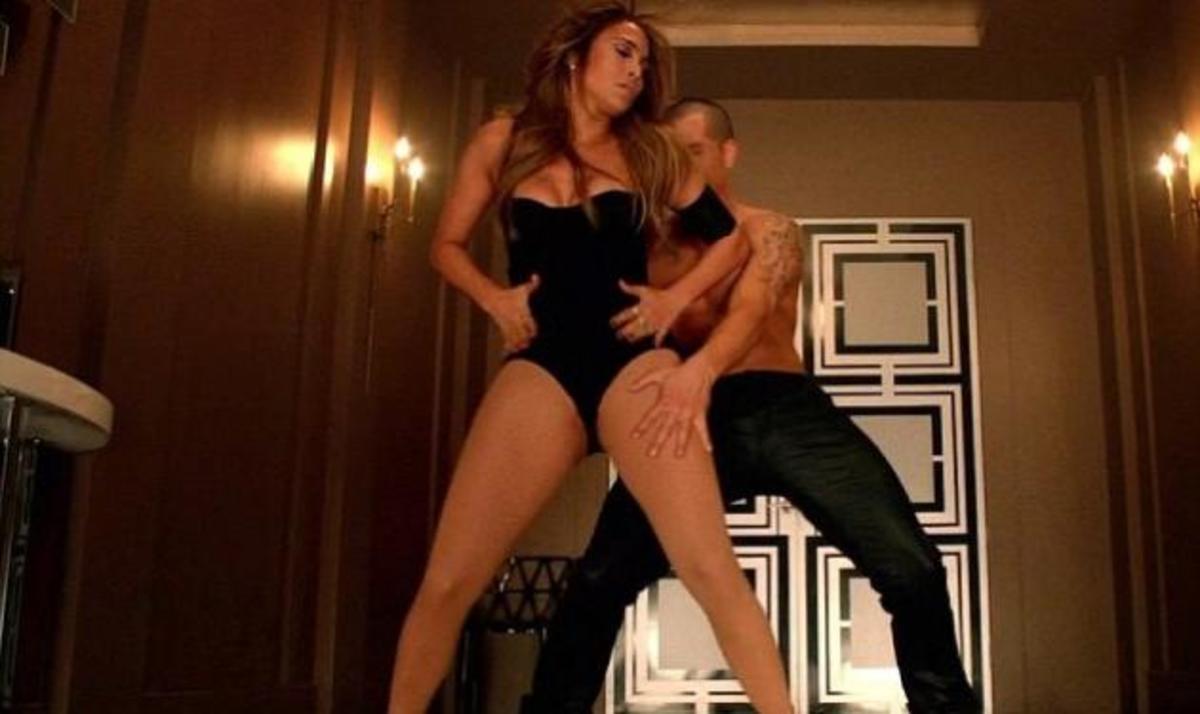 "J. Lopez: ""Καυτές"" πόζες με τον σύντροφό της στο νέο της video clip! Φωτογραφίες και video   Newsit.gr"