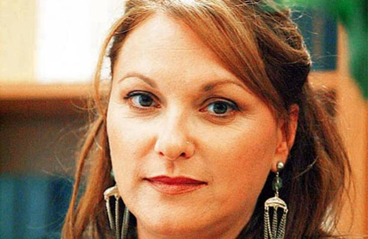 H Ρένια Λουιζίδου αποκάλυψε την πραγματική της ηλικία! | Newsit.gr