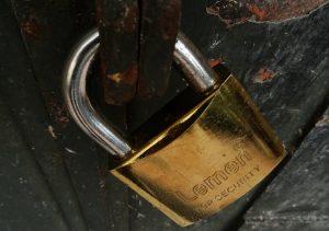 Χανιά: Λουκέτο σε δύο καταστήματα για φορολογικές παραβάσεις