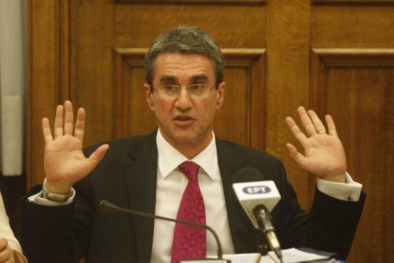 Στη Βουλή το Εργασιακό με απόφαση Παπανδρέου | Newsit.gr