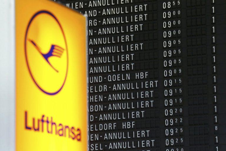 200 πτήσεις ματαιώθηκαν λόγω απεργίας στα αεροδρόμια του Βερολίνου | Newsit.gr