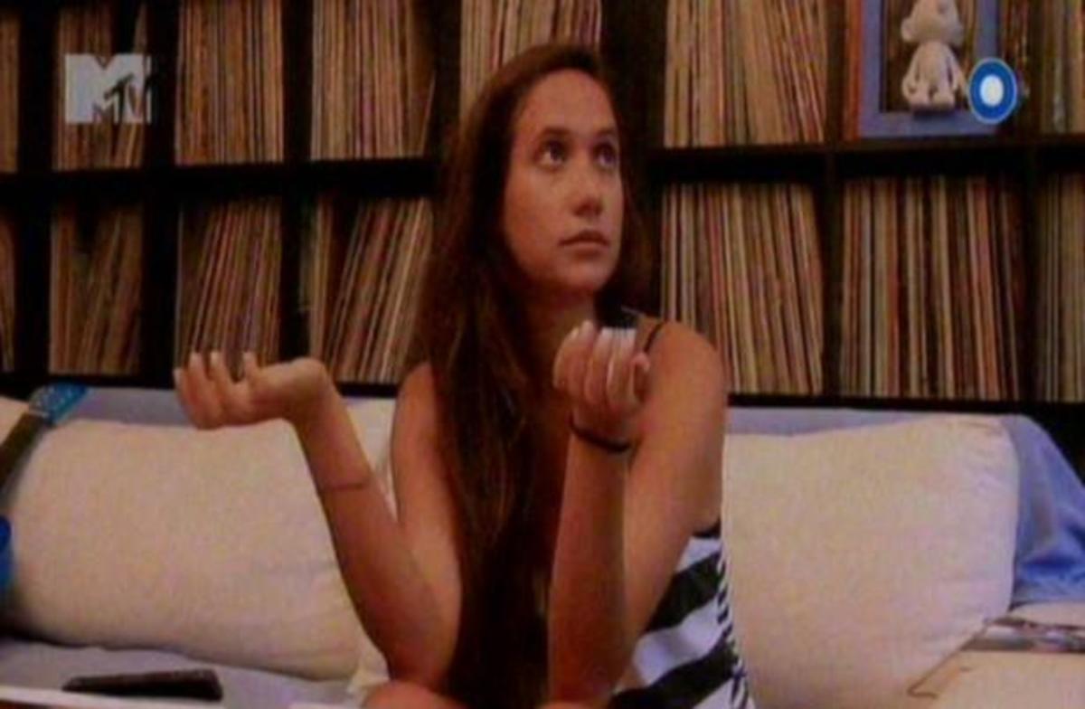 Λυδία: Ποιος θα εξηγήσει στην οικογένειά μου πως «έπαιξα» στο δελτίο του STAR να λέω πως θέλω να γίνω τραγουδίστρια; | Newsit.gr