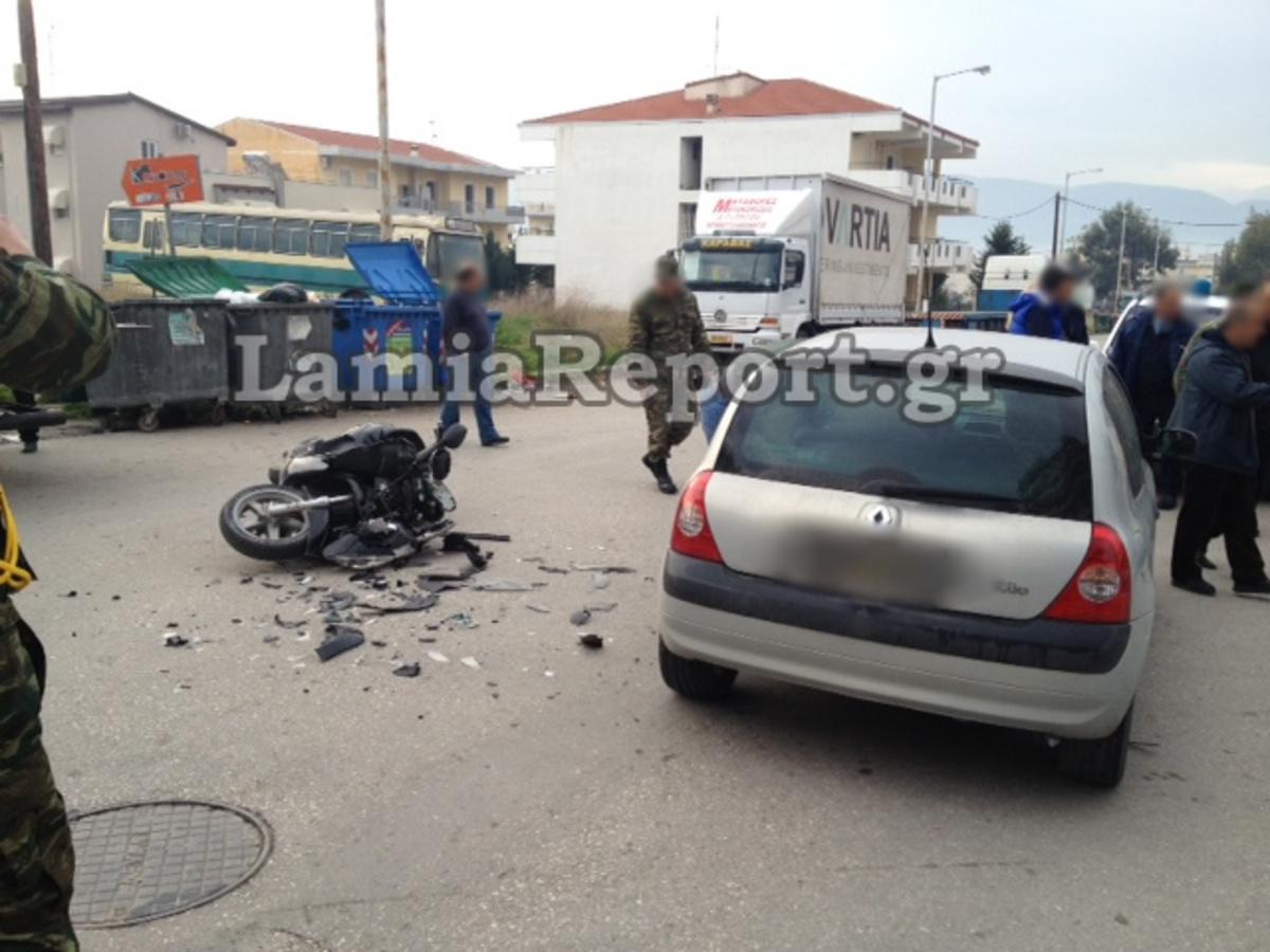 Λαμία: Στο νοσοκομείο νεαρός στρατιωτικός, μετά από τροχαίο – Δείτε φωτό! | Newsit.gr