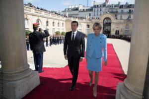 Μακρόν: Ορίζει πρωθυπουργό και φεύγει για Βερολίνο