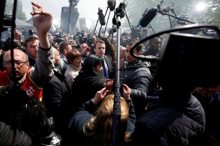 Γαλλία – Εκλογές: Με γιουχαΐσματα υποδέχτηκαν τον Μακρόν εργαζόμενοι της Whirlpool [vids] | Newsit.gr