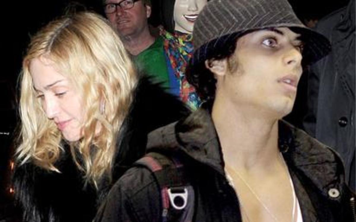 Η Madonna έκανε clubbing με τον Jesus! | Newsit.gr