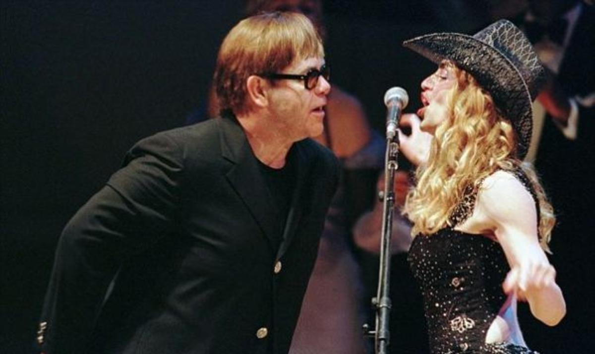 "E. John κατά Madonna: ""Η καριέρα της τελείωσε! Μοιάζει με stripper σε λούνα παρκ!""   Newsit.gr"