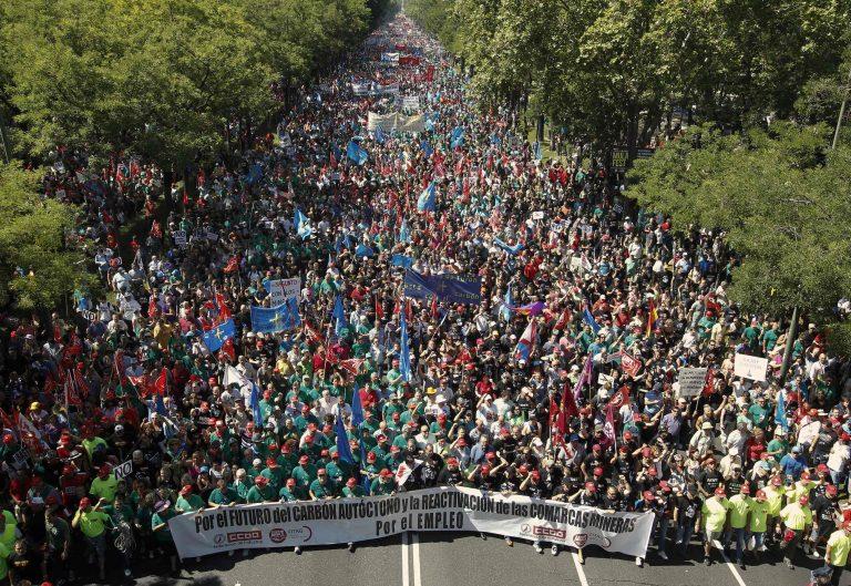 Ισπανία: Επεισόδια με τραυματίες κατά τη διαδήλωση ανθρακωρύχων | Newsit.gr
