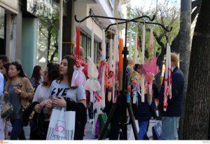 Εορταστικό ωράριο Πάσχα 2017: Τι ώρα είναι τα καταστήματα ανοιχτά