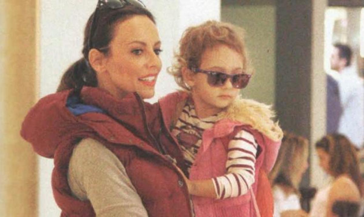Μπέττυ Μαγγίρα: Η κόρη της έχει το ίδιο στυλ με εκείνη! | Newsit.gr