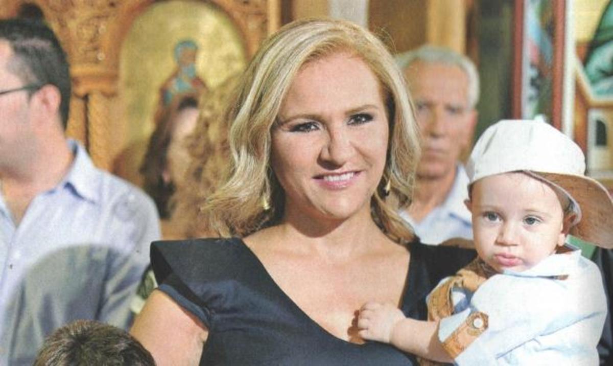 Μπέσυ Μάλφα: Βάφτισε τον ανιψιό της! | Newsit.gr
