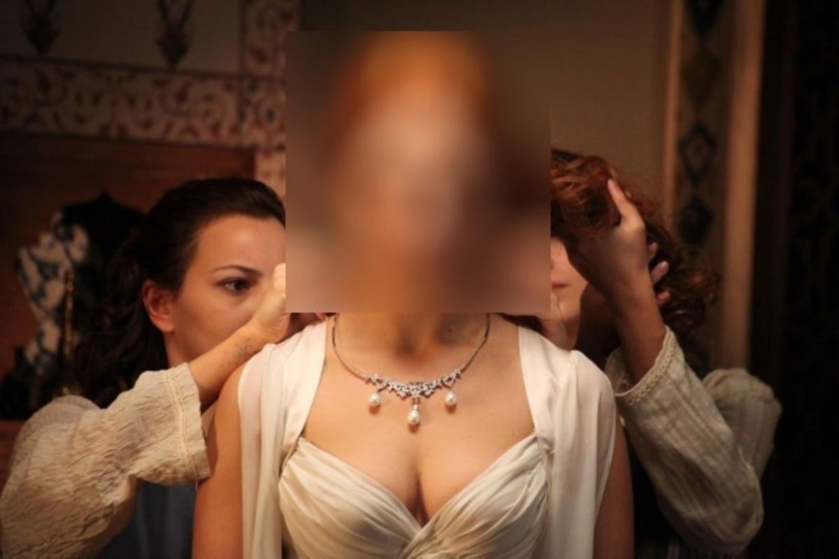 Πρωταγωνίστρια έκανε μπουρλότο τον σκηνοθέτη, αλλάζοντας απροειδοποίητα χρώμα στα μαλλιά   Newsit.gr