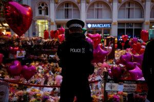 Επίθεση στο Μάντσεστερ: Ακόμη χαροπαλεύουν 17 άνθρωποι!