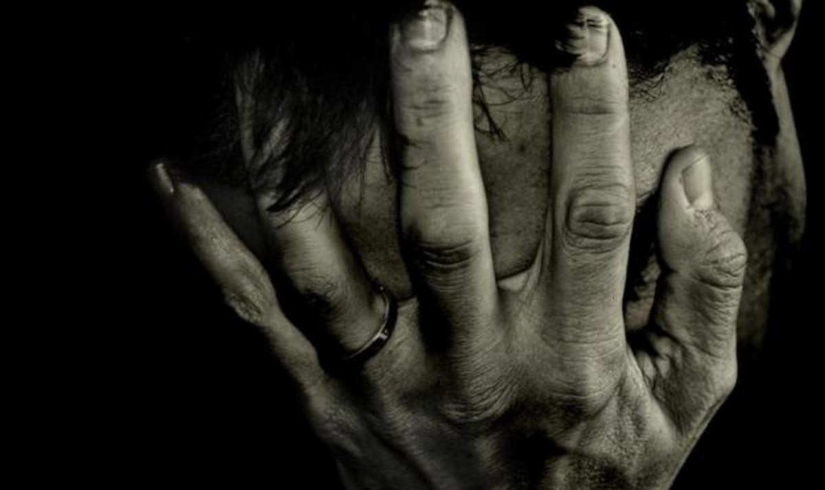 Απόπειρα αυτοκτονίας γνωστού στυλίστα μέσω Facebook. Νοσηλεύεται στο νοσοκομείο | Newsit.gr