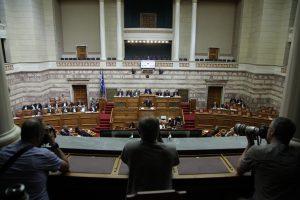 Παραλίγο ξύλο στη Βουλή! Βουλευτής ΣΥΡΙΖΑ: Τι με κοιτάς ρε έτσι, με γουστάρεις; – «Άντε γ@μ…» του απάντησε ο Μανιάτης