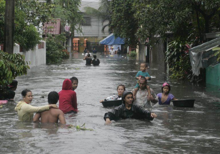 53 νεκροί από τους μουσώνες στις Φιλιππίνες   Newsit.gr