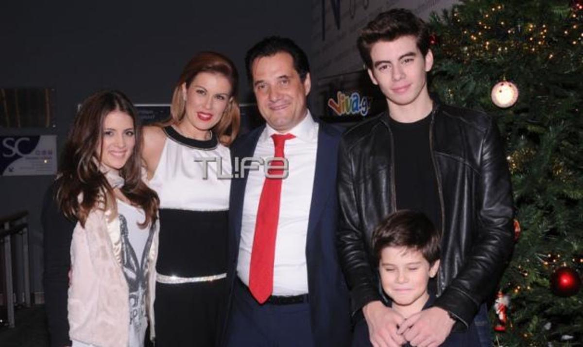 Ευγ. Μανωλίδου: Συναυλία με τον σύζυγο και τα παιδιά στο πλευρό της! Φωτογραφίες | Newsit.gr