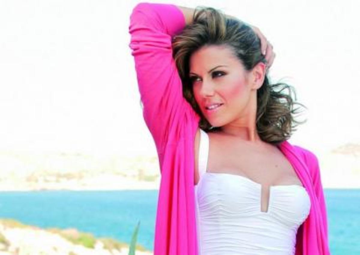 Η Μανωλίδου απέναντι στη Μενεγάκη | Newsit.gr