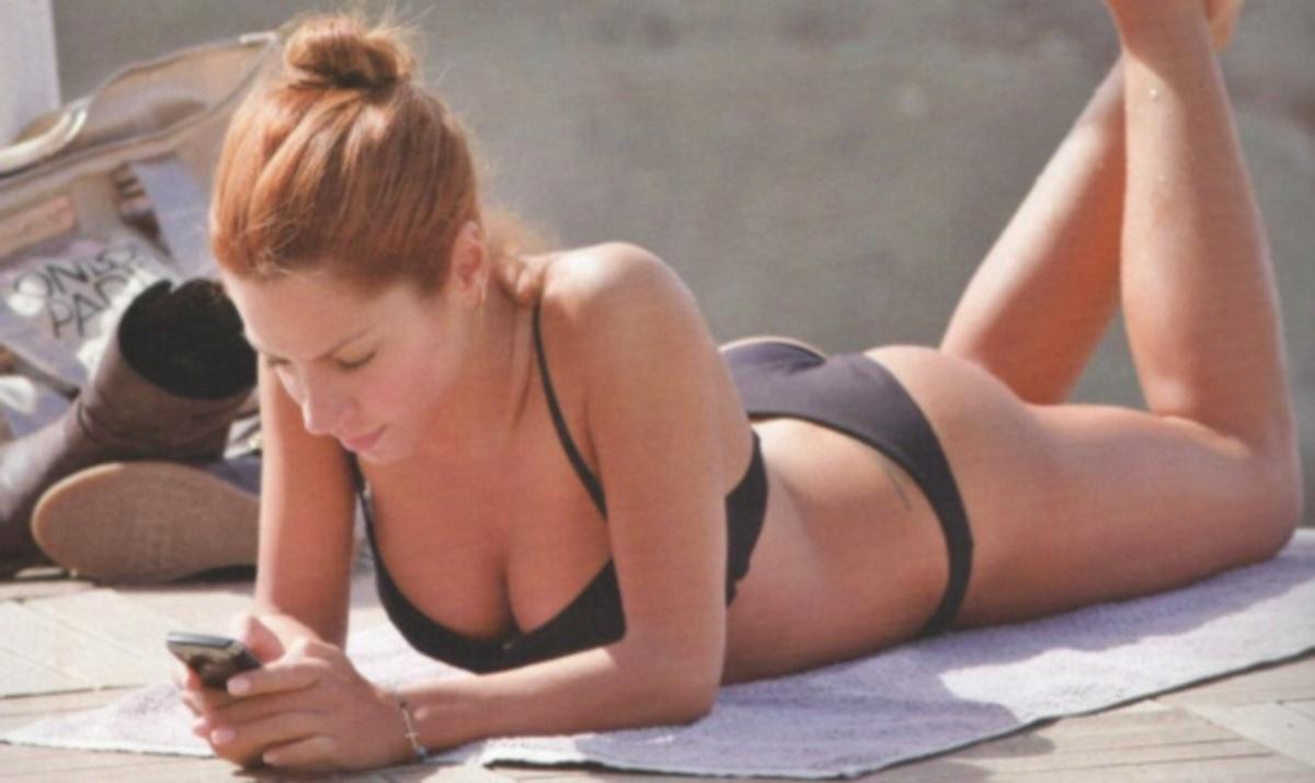 Η σέξι εμφάνιση της Μ. Πιερίδη στην παραλία! | Newsit.gr