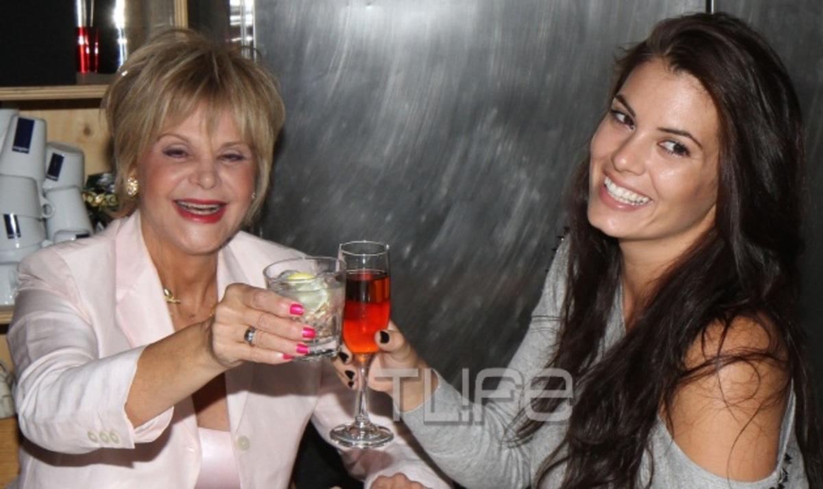 Η Μαρία Ιωαννίδου άνοιξε το σπίτι της για τα αγαπημένα της πρόσωπα! Φωτογραφίες   Newsit.gr